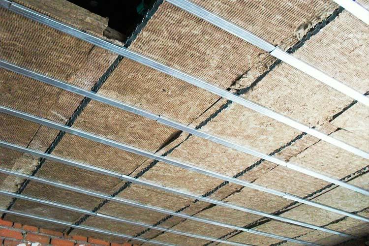 Instalaci n de falsos techos de pladur - Colocar techos de pladur ...